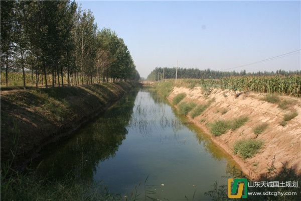 跃马河水利风景区