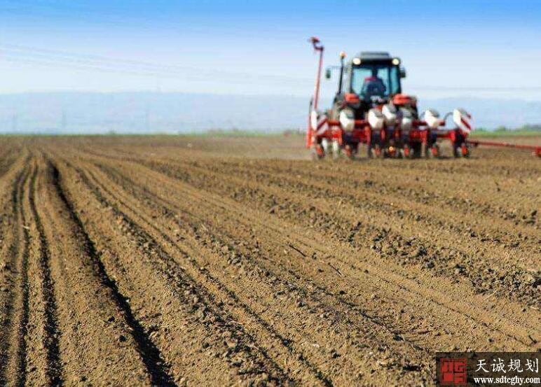 实现乡村振兴脱贫攻坚任务离不开农土地制度改革