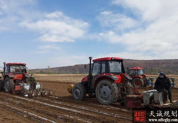 迁西县以土地流转为突破口带领农民致富